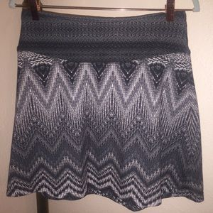 """prAna 18"""" Gray Feather Skirt Small Casual/Athletic"""